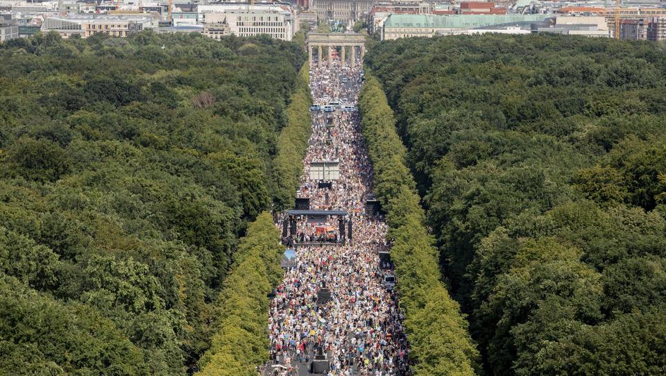 Berlin verbietet Demonstration gegen Corona-Politik, nun sind die Gerichte gefragt