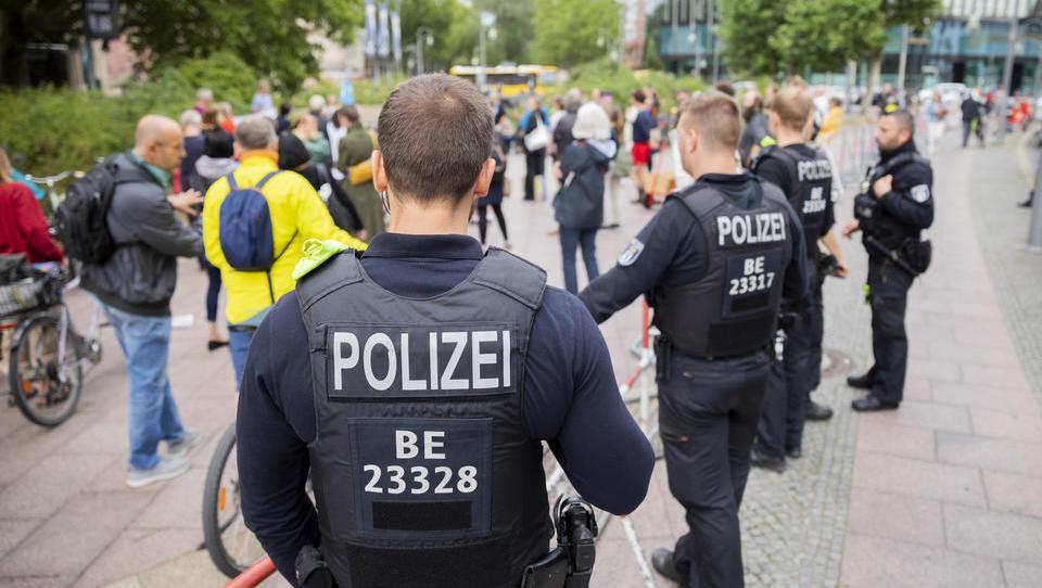 Berlin will Demo-Genehmigung nicht hinnehmen, ruft Oberverwaltungsgericht an