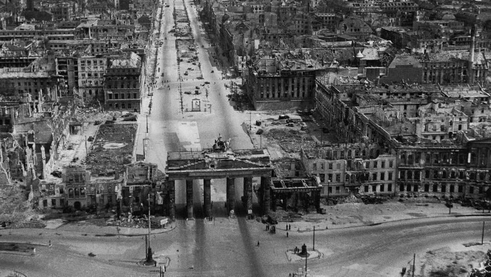 """Bloomberg-Analyst vergleicht """"Great Reset"""" mit der Zeit nach dem Zweiten Weltkrieg"""