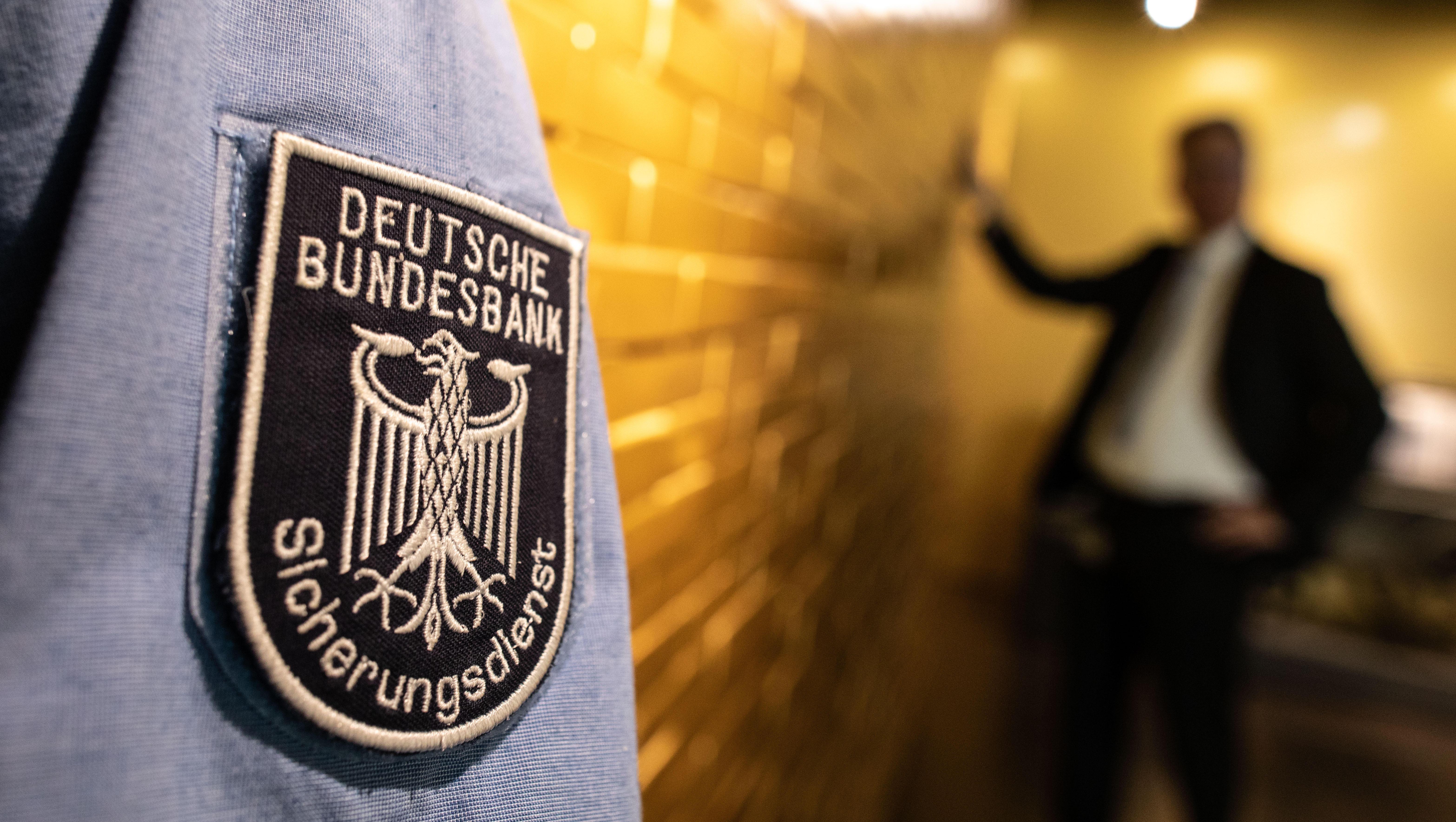 Zentralbanken kaufen wieder mehr Gold, aber Deutschland verkauft