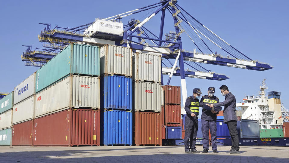 Chinas Exporte ziehen im September überraschend stark an