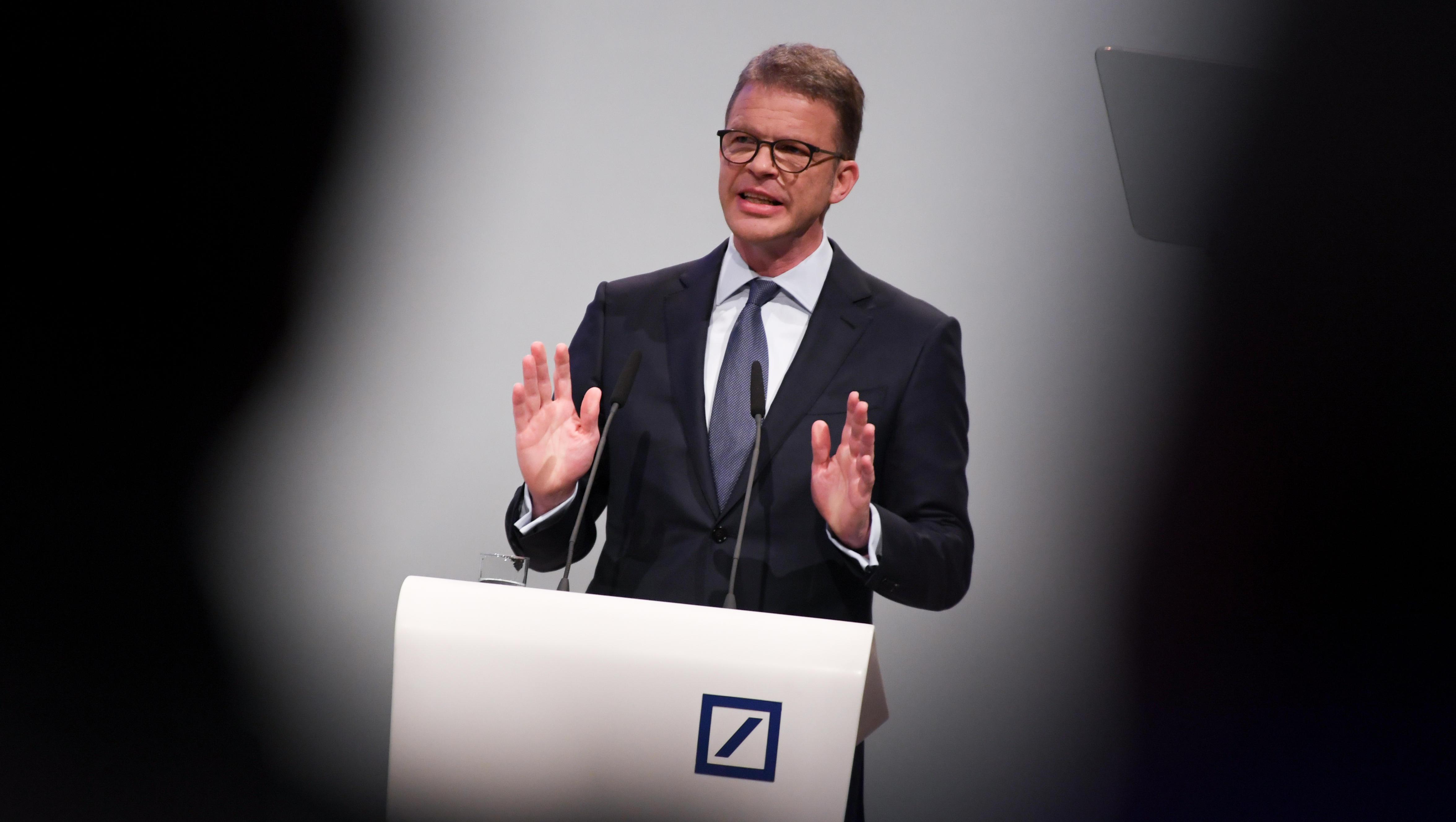 Deutsche-Bank-Chef warnt vor Spaltung der Gesellschaft durch Niedrigzinsen