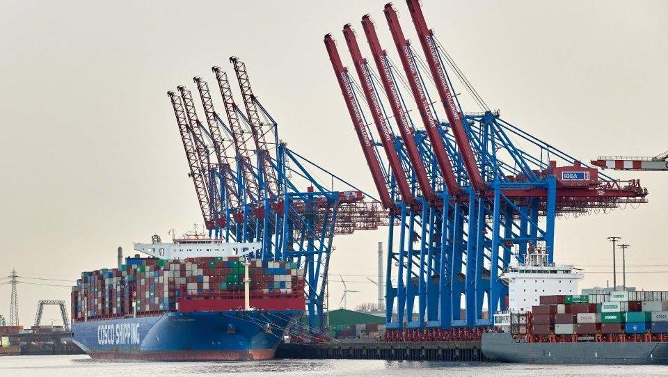 Umsatz deutscher Wirtschaft stagniert, Exporteure sind zuversichtlich