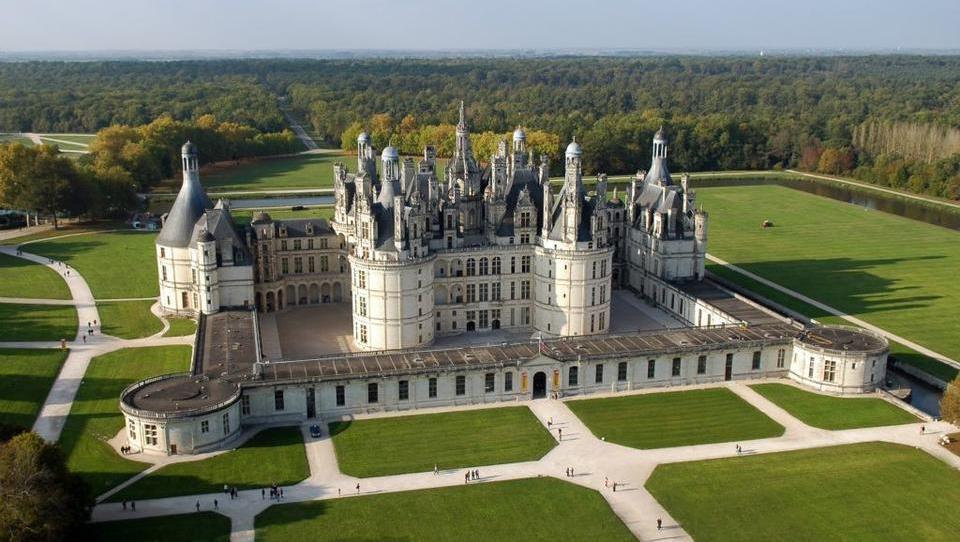 Bauern prangern Prunk bei EU-Treffen auf Schloss Chambord an