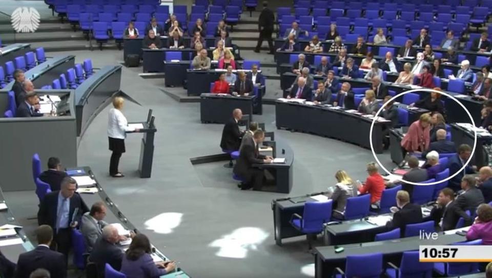 Bundestagspräsident weist Merkel vor versammeltem Plenum zurecht