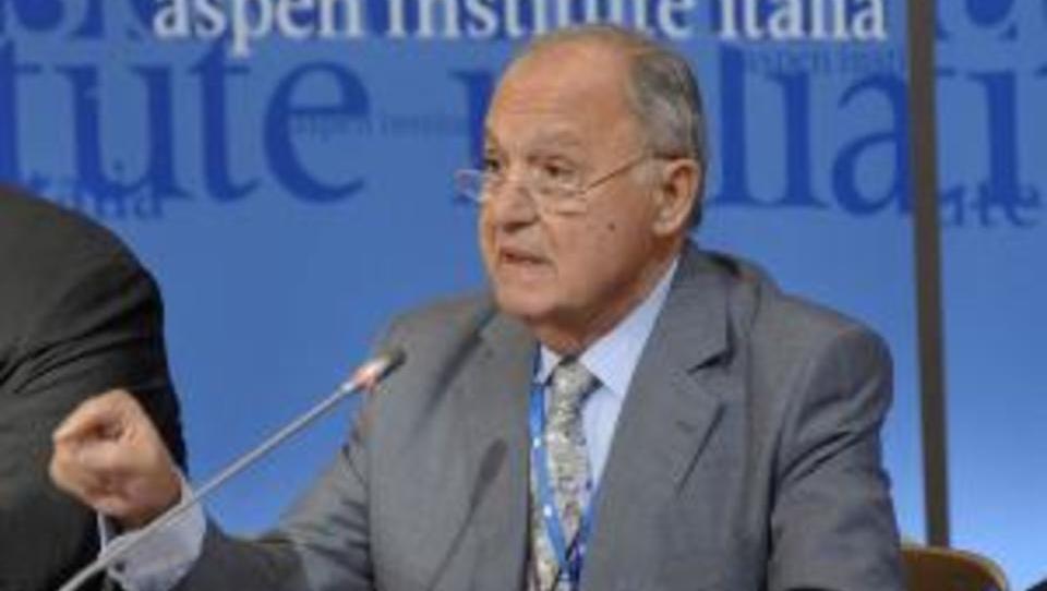 Ökonom: Die EU ist zu schwach, um gegen US-Spekulanten zu bestehen