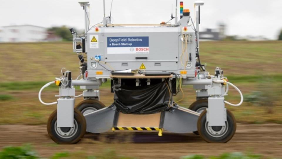 Roboter können Unkraut besser bekämpfen als Monsanto