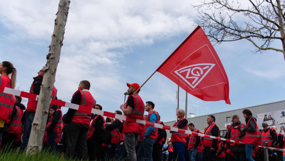 Daimler-Chef mahnt Arbeiter vor Tarifverhandlungen zur Mäßigung