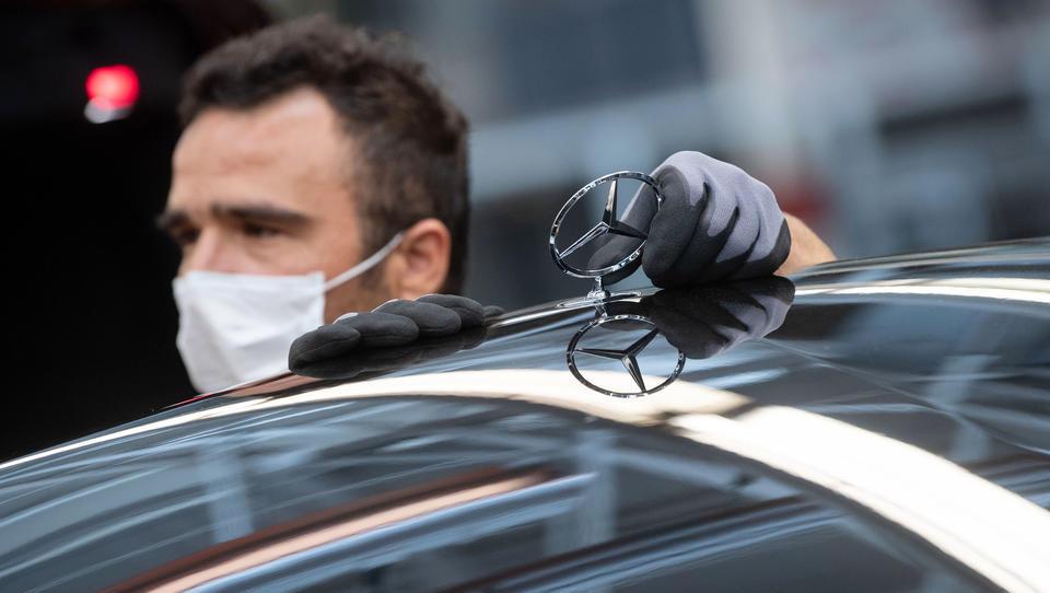 Auto-Neuzulassungen in EU brechen auf ein Viertel ein