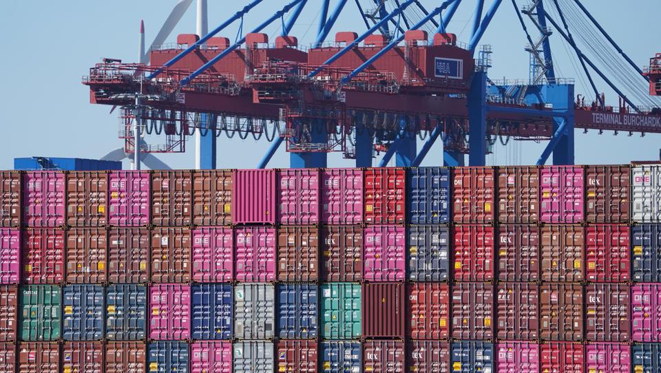 Deutsche Exporteure verkaufen erstmals mehr als vor der Corona-Krise