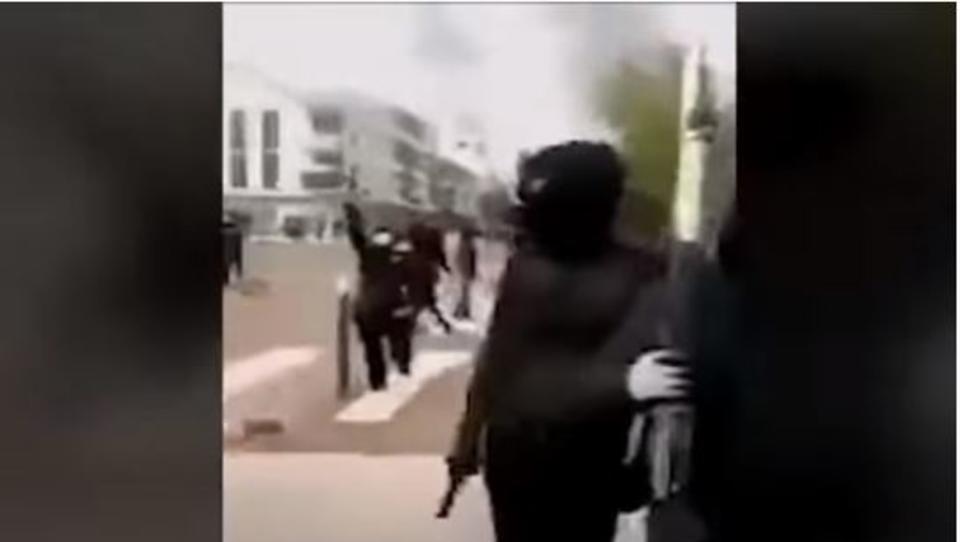 Frankreich: Schwere Straßen-Kämpfe zwischen Tschetschenen und Nordafrikanern mit Kriegswaffen