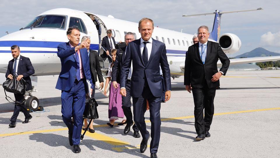 Streit zweier Lufttaxi-Firmen wirft ernste Fragen nach der Sicherheit reisender Nato- und EU-Funktionäre auf