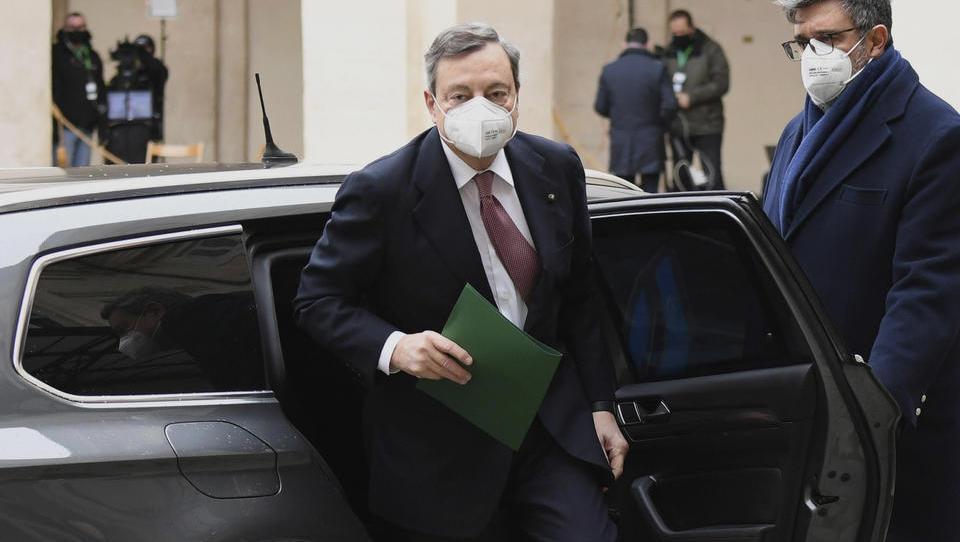 Mario Draghi als Ministerpräsident Italiens vereidigt