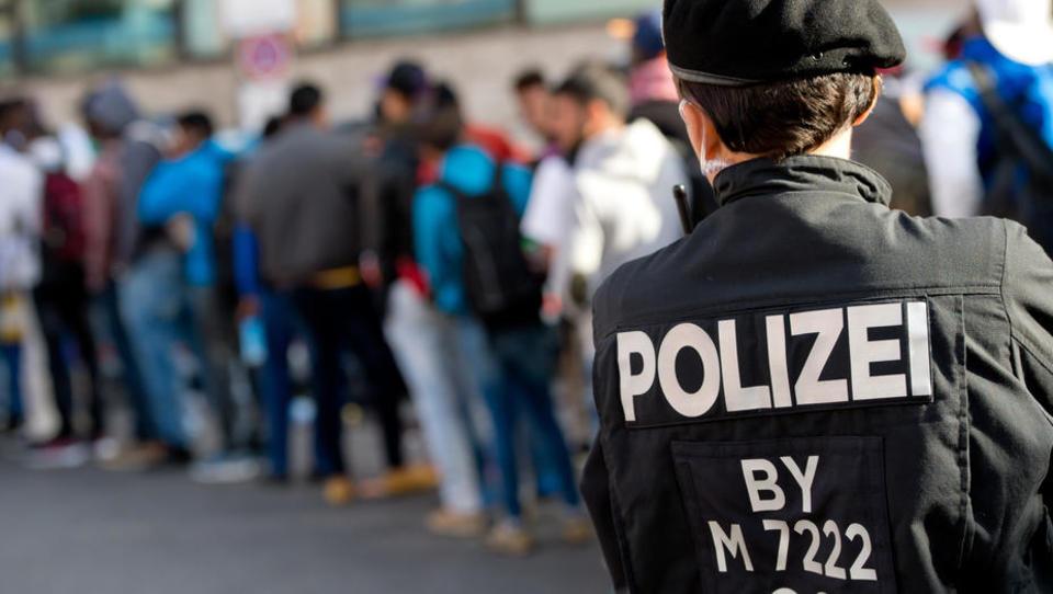 EU-Kommission setzt bei neuer Asylreform auf rigorose Abschiebungen