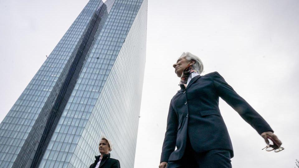 EZB-Ratsmitglied deutet erstmals Aktienkäufe durch die Zentralbank an