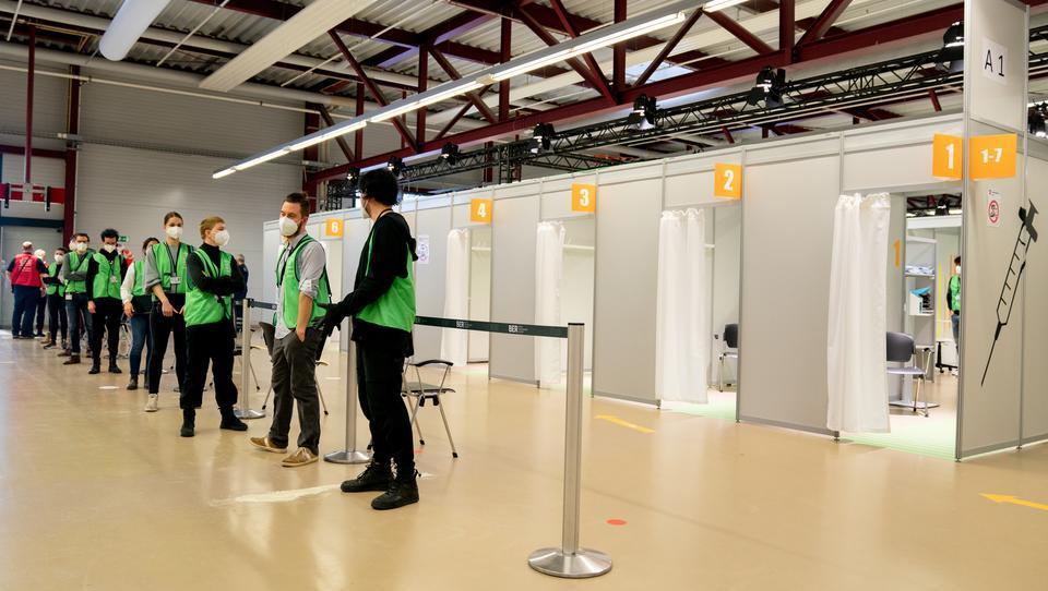 Berliner Startup: Mit smarter Lösung mühsame Corona-Tests beschleunigen
