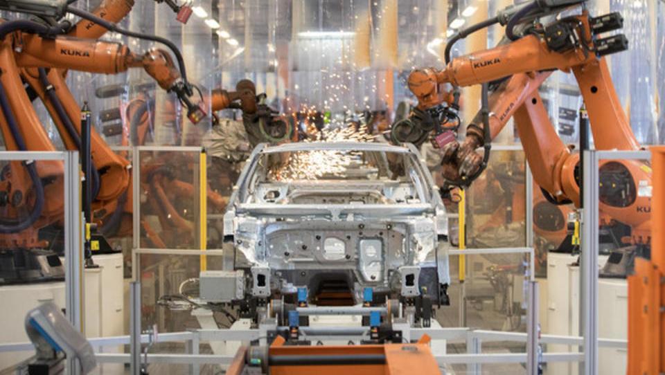 VW kauft bei Fanuc und ABB tausende neue Industrie-Roboter ein