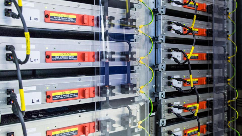 Mit Stromspeichern können Unternehmen noch mehr Solarstrom nutzen