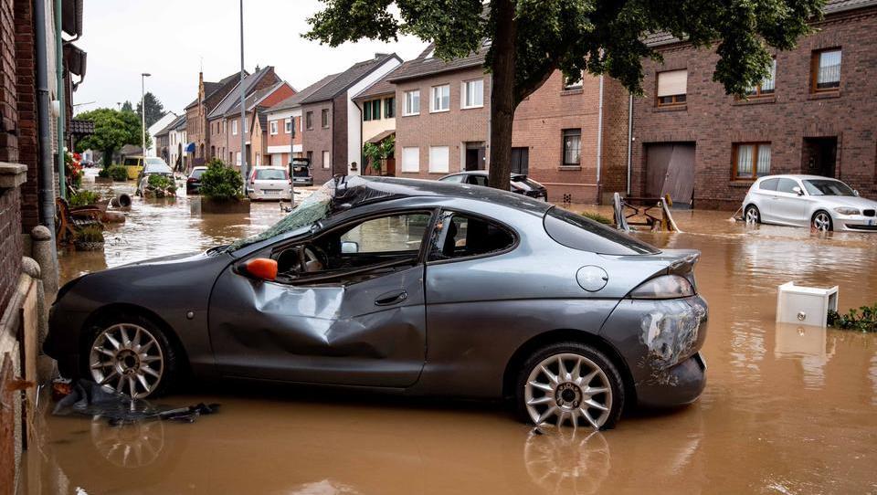 Flutkatastrophe: Mehr als 100 Tote, mehr als 1000 Vermisste