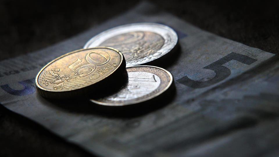 DWN-RECHERCHE - Immer mehr deutsche Banken verlangen Negativzinsen für Sparkonten