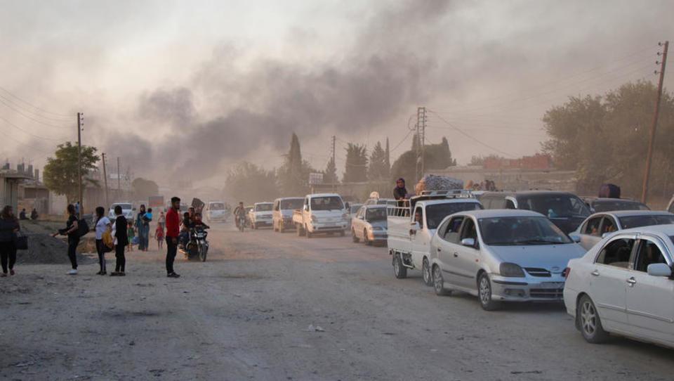 Tausende Menschen nach türkischer Militäroffensive in Syrien auf der Flucht