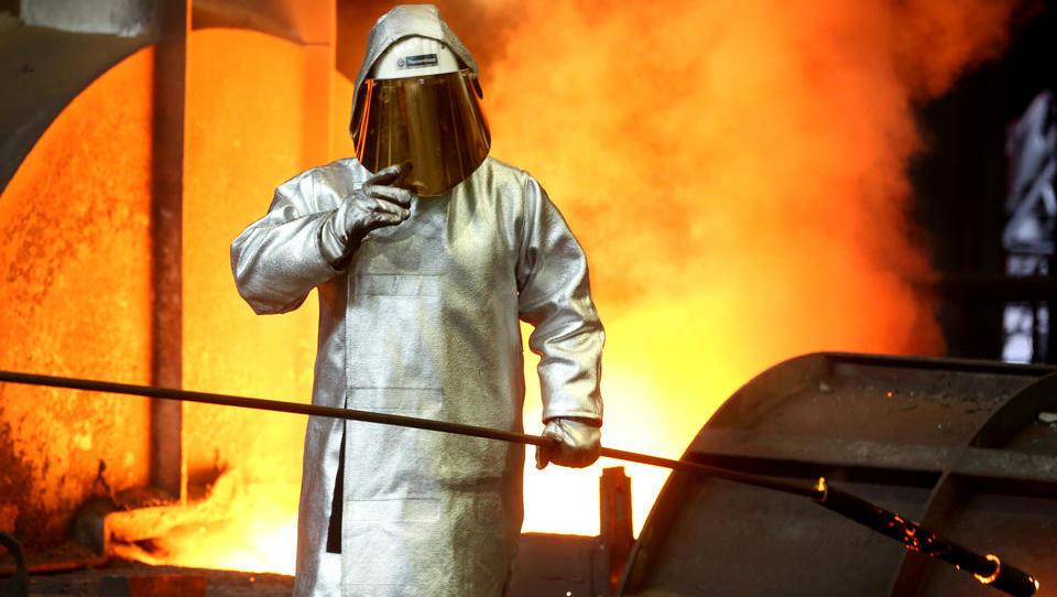 Neue Lasten für eine Branche in der Krise: Stahlindustrie braucht für Klimaziele 100 Milliarden Euro