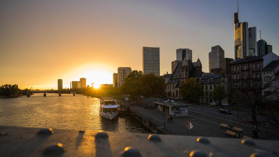 Banken im Euro-Raum werden vorsichtiger bei Kreditvergabe