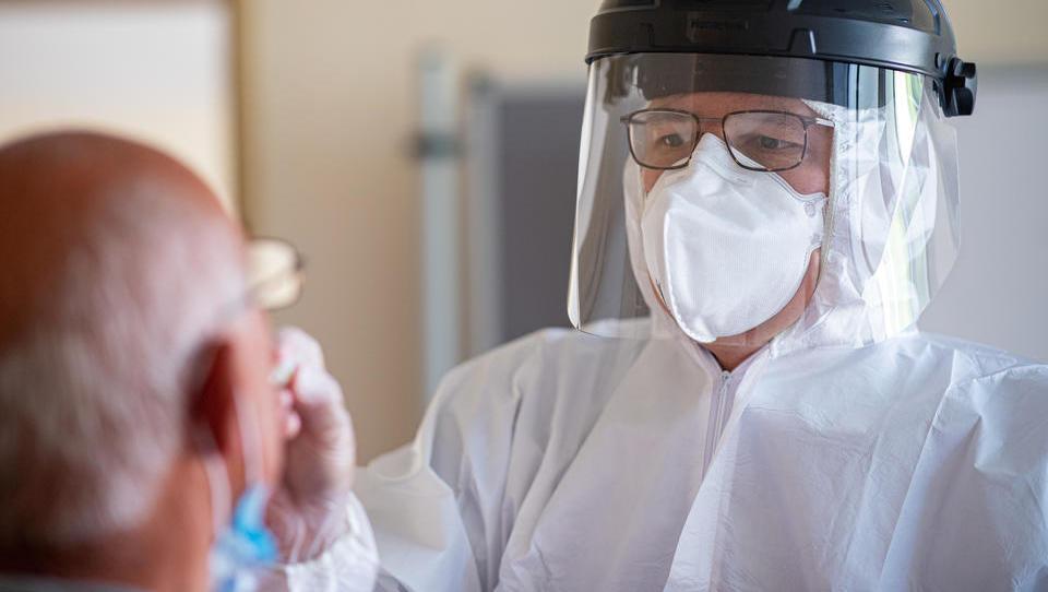 Virologe Drosten warnt vor zweiter Welle: 'Alle Alarmsensoren anschalten'