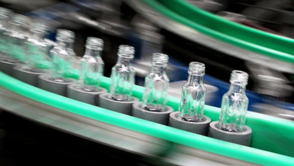Deutsche Glasindustrie kommt in der Krise mit blauem Auge davon, Corona-Produkt könnte Umsätze sogar explodieren lassen