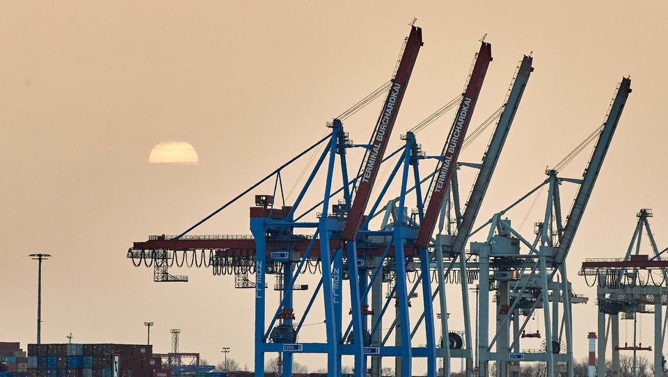 Hamburger Hafen lässt die Krise hinter sich