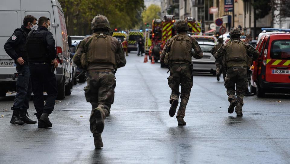 Vermuteter Terror vor «Charlie-Hebdo»-Gebäude erschüttert Paris