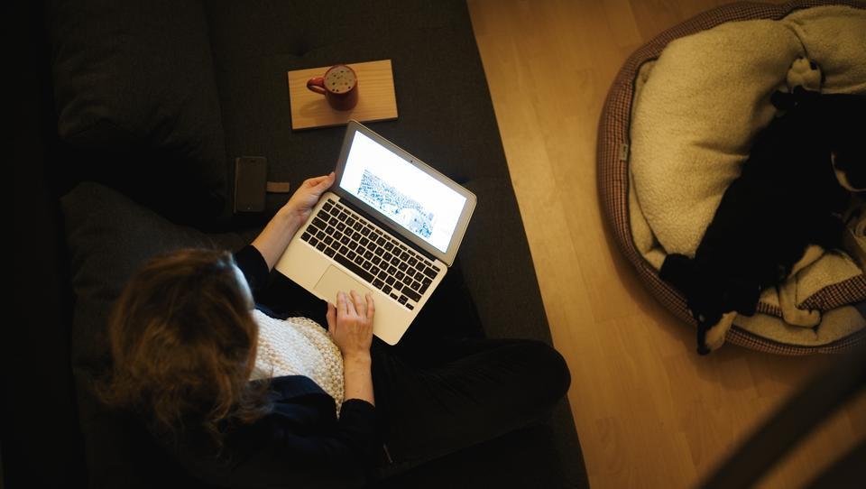Europas Unternehmen horten Laptops für Heimarbeit
