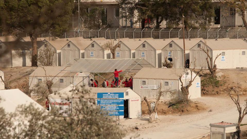 Griechenland öffnet Flüchtlingslager auf den Inseln
