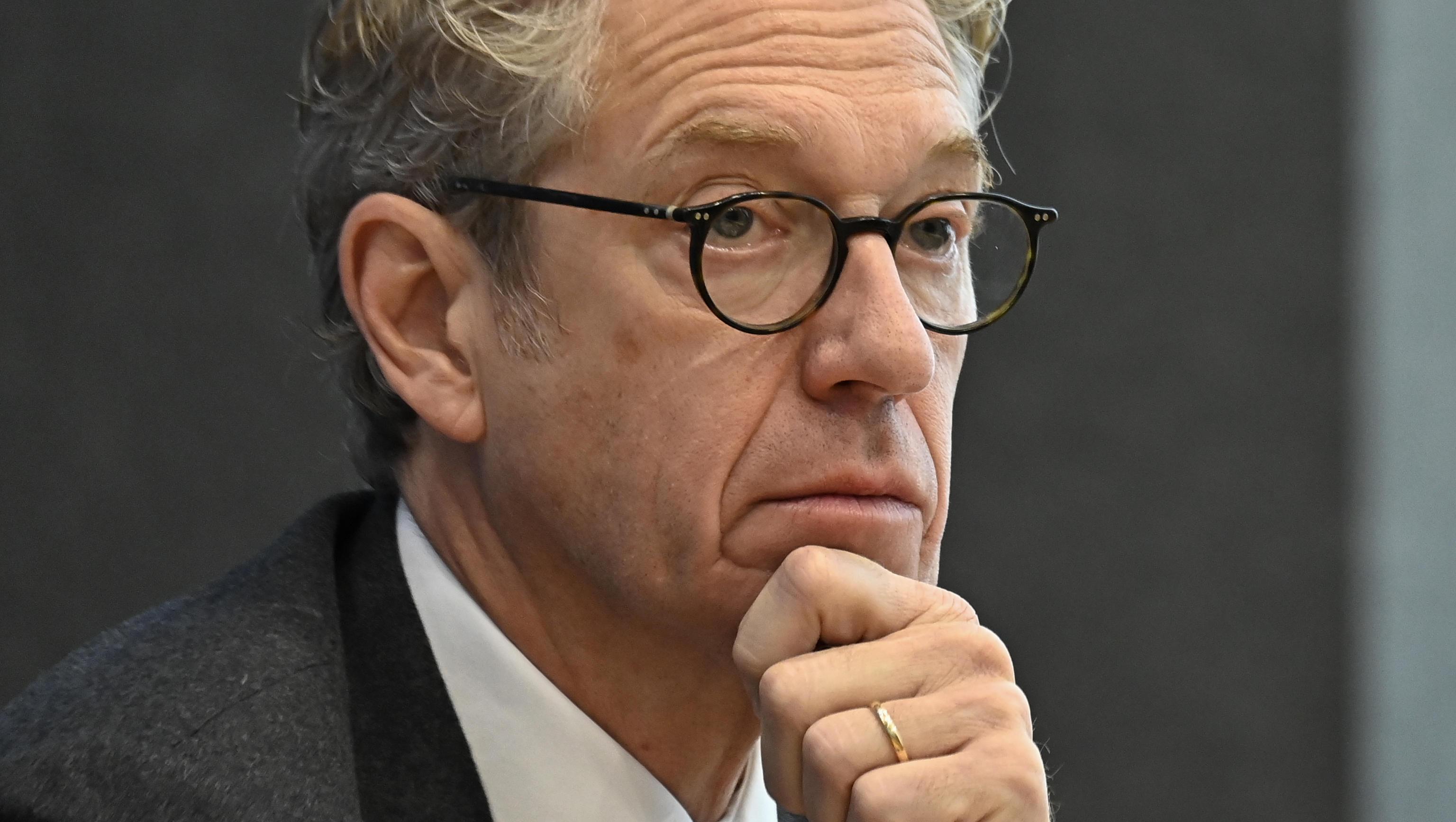 Ärzte-Verbände fordern Strategiewechsel in Corona-Politik