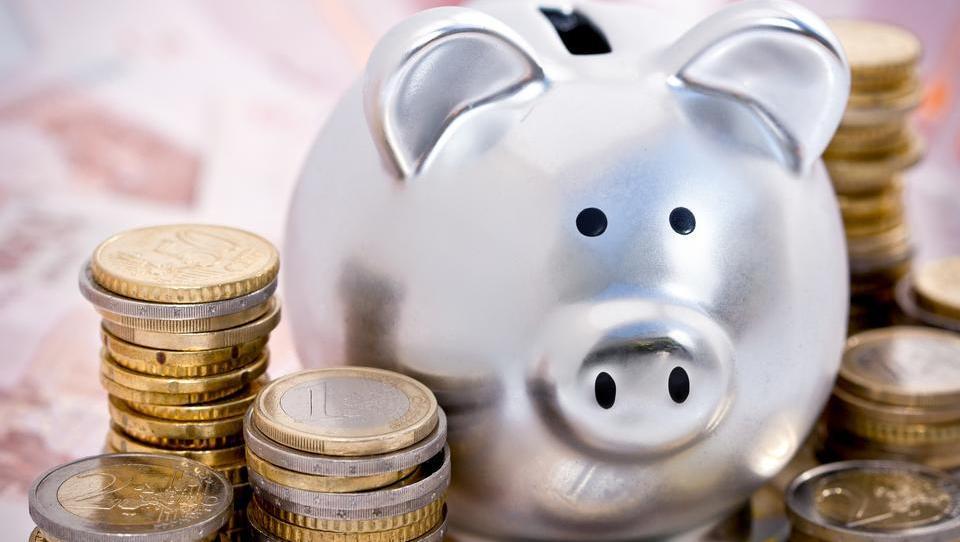 Kaum Kapitalerträge: Deutsches Geldvermögen wächst allein durch die Sparleistung