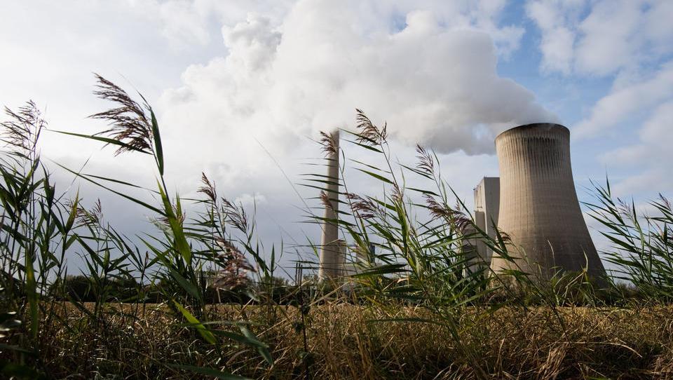 Weltweite Erzeugung von Kohlestrom erstmals rückläufig - trotz China