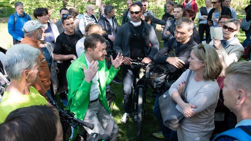 Ministerpräsident Kretschmer verteidigt Besuch bei Anti-Corona-Demonstration