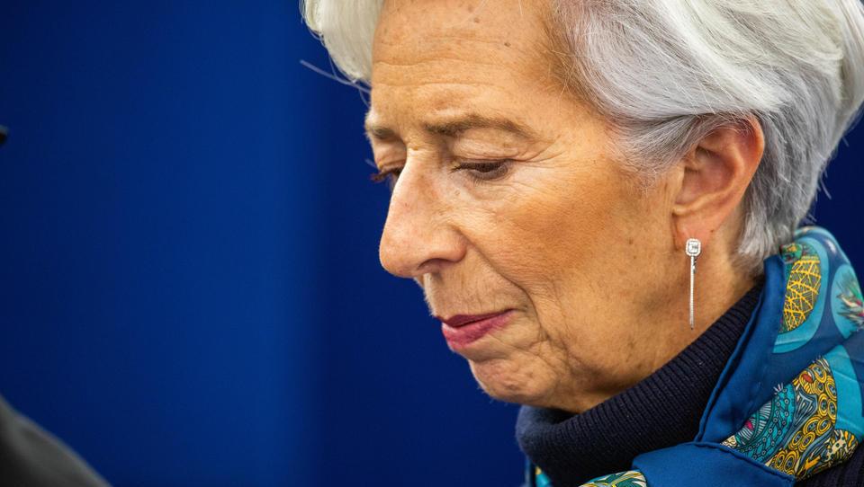 Lagarde entschuldigt sich für Absturz von Italiens Staatsanleihen