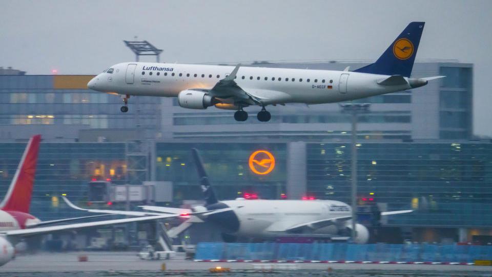 Laschet und die Grünen wollen innerdeutschen Flugverkehr abschaffen