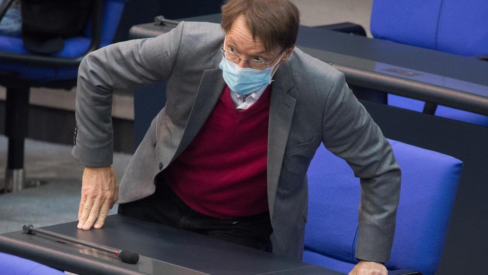Karl Lauterbach fordert Reiseverbote statt Beherbergungsverbote