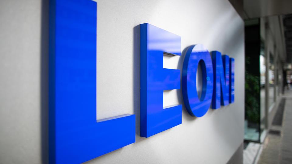 Investoren stoßen in großem Umfang Schuldscheine von Autozulieferer Leoni ab
