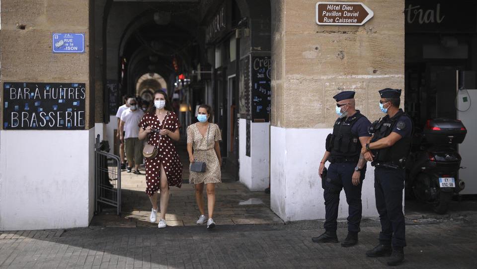 VIRUS-TICKER: Marseille führt Maskenpflicht im gesamten Stadtgebiet ein