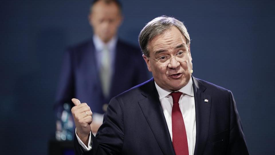 Zerstrittene CDU verschiebt Parteitag: Eskaliert der Streit Merz-Laschet?