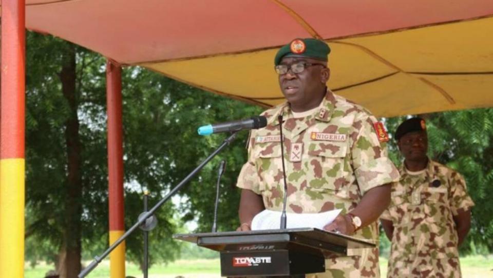 Nigerias Armee-Chef stirbt bei Flugzeugabsturz