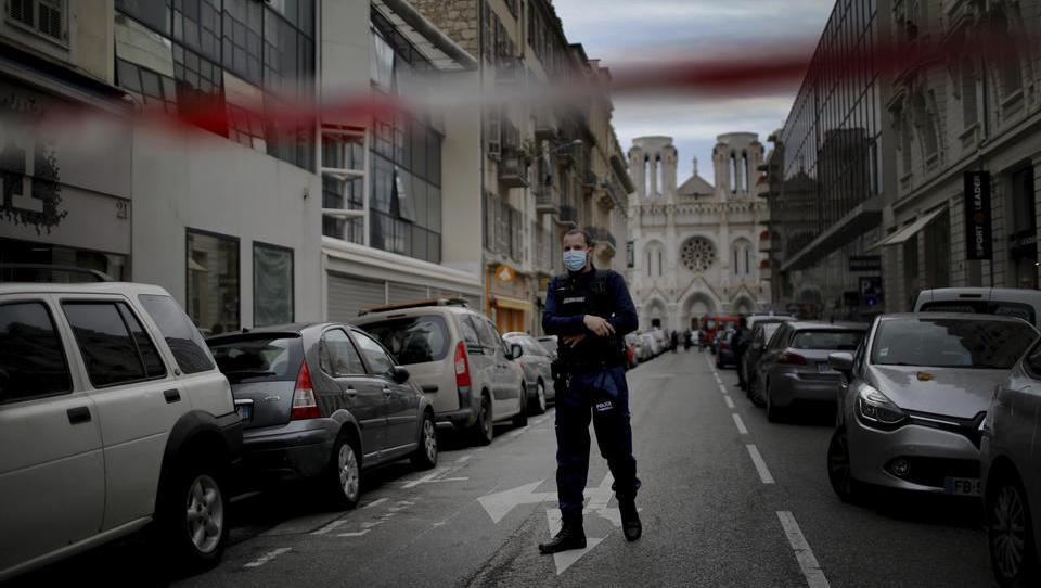 Frankreich fürchtet neue Anschläge nach Enthauptung in Nizza