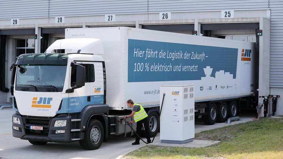 LKW mit Elektro-Antrieb: Infineon treibt Mobilitätswende in Deutschland voran