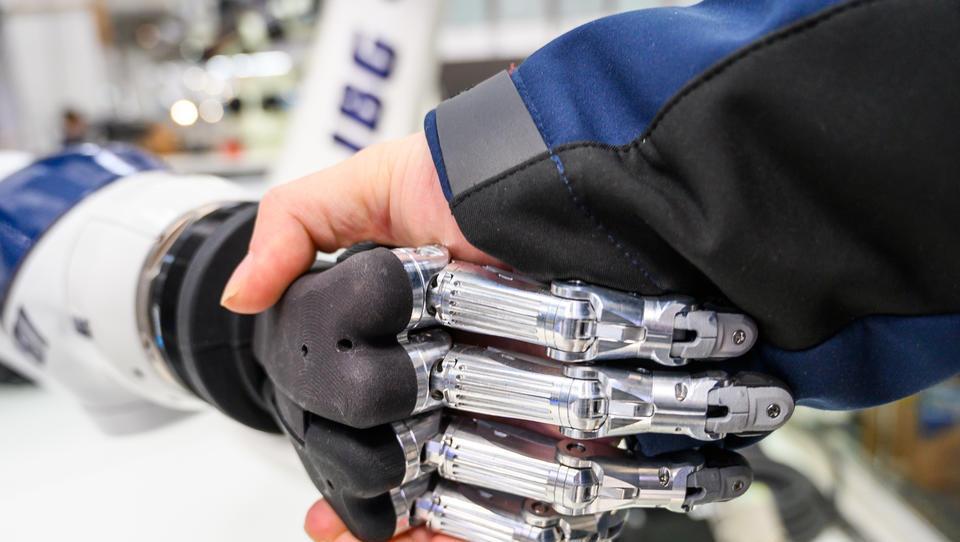 Nach Corona: Roboter-Industrie kämpft sich wieder nach vorn
