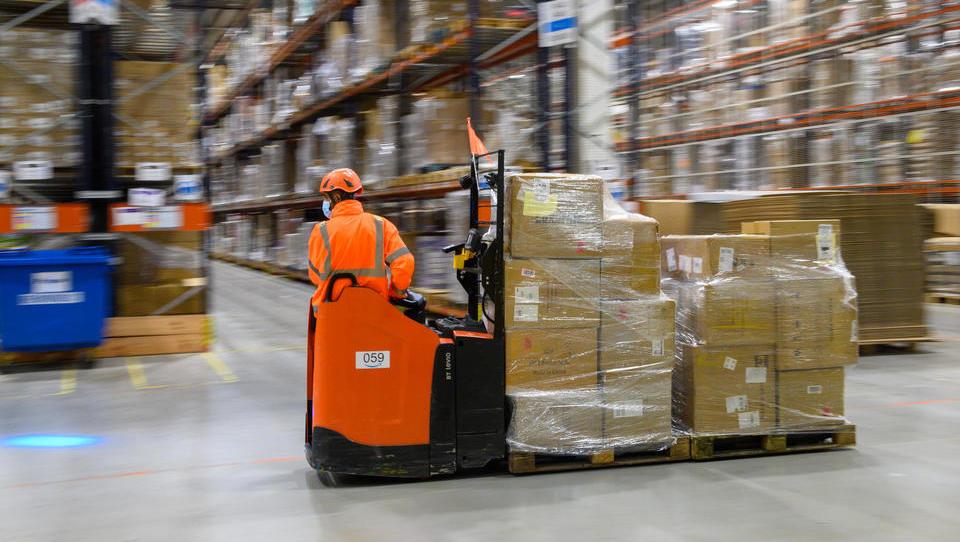 Online-Handel setzt starkes Wachstum fort, stationärer Handel schrumpft weiter