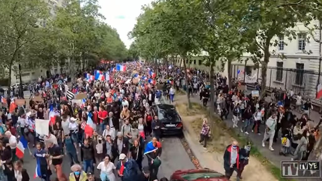 Gegen den Gesundheitspass: Mehr als 230.000 bei Corona-Protesten in Frankreich