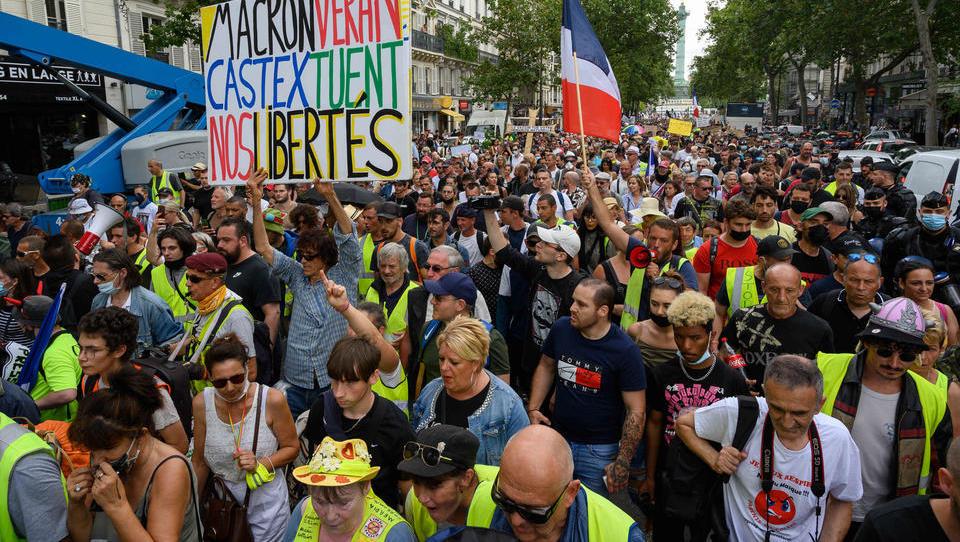 Erneut Proteste gegen strengere Corona-Regeln in Frankreich